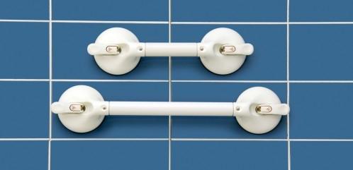 Asidera de baño con ventosa de la máxima fiabilidad, fabricada en Alemania por la firma ROTH, robusta y resistente, muy fácil de poner y de retirar.