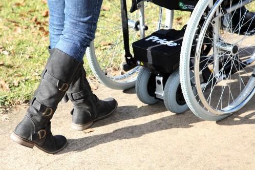 3274-motor-de-ayuda-al-acompanante-power-glide-video-2-ruedas-mas-facil-empujar-una-silla-de-ruedas-manual-asister-ayuda-a-domicilio-y-ayudas-tecnicas