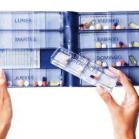 Pastillero semanal ideado especialmente para pacientes con dosis de medicación muy elevada, con problemas de movilidad o de vista. 2