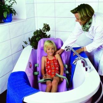 4335-silla-infantil-de-bano-igualmente-practica-para-la-sala-de-estar-o-la-playa-ref-adm012-asister-ayuda-a-domicilio-y-ortopedia