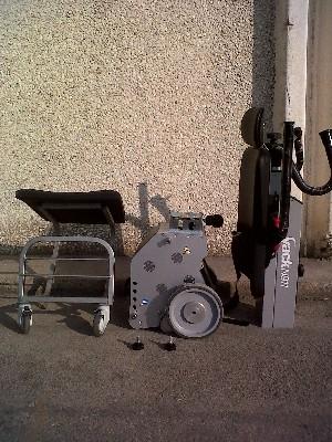 5351-silla-sube-escaleras-yack-911-requiere-espacios-de-maniobra-sumamente-reducidos-ref-cinkspyacka-asister-ortopedia-y-ayuda-a-domicili