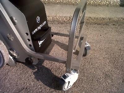5353-silla-sube-escaleras-yack-911-requiere-espacios-de-maniobra-sumamente-reducidos-ref-cinkspyacka-asister-ortopedia-y-ayuda-a-domicili