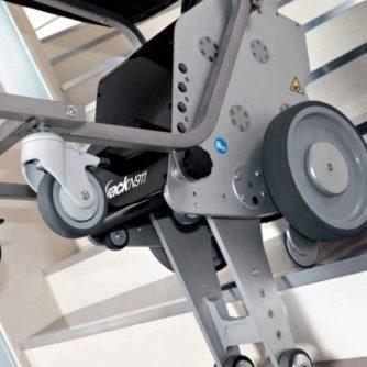 5355-silla-sube-escaleras-yack-911-requiere-espacios-de-maniobra-sumamente-reducidos-ref-cinkspyacka-asister-ortopedia-y-ayuda-a-domicili