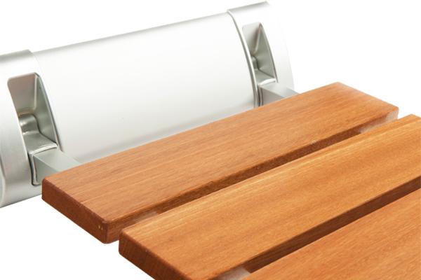 Asiento de ducha abatible de madera asister - Duchas de madera ...