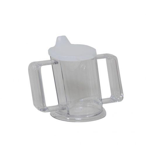 taza transparente adaptada para beber comodamente transparente
