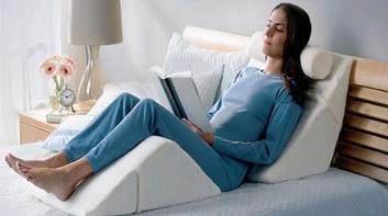 Cuña Posicional Lumbar. Favorece la postura para leer.