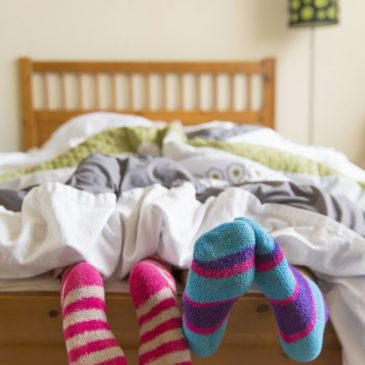 A la Cama Siempre con Calcetines, Ayuda a Conciliar el Sueño