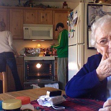 Cómo Vivir con una Persona Anciana