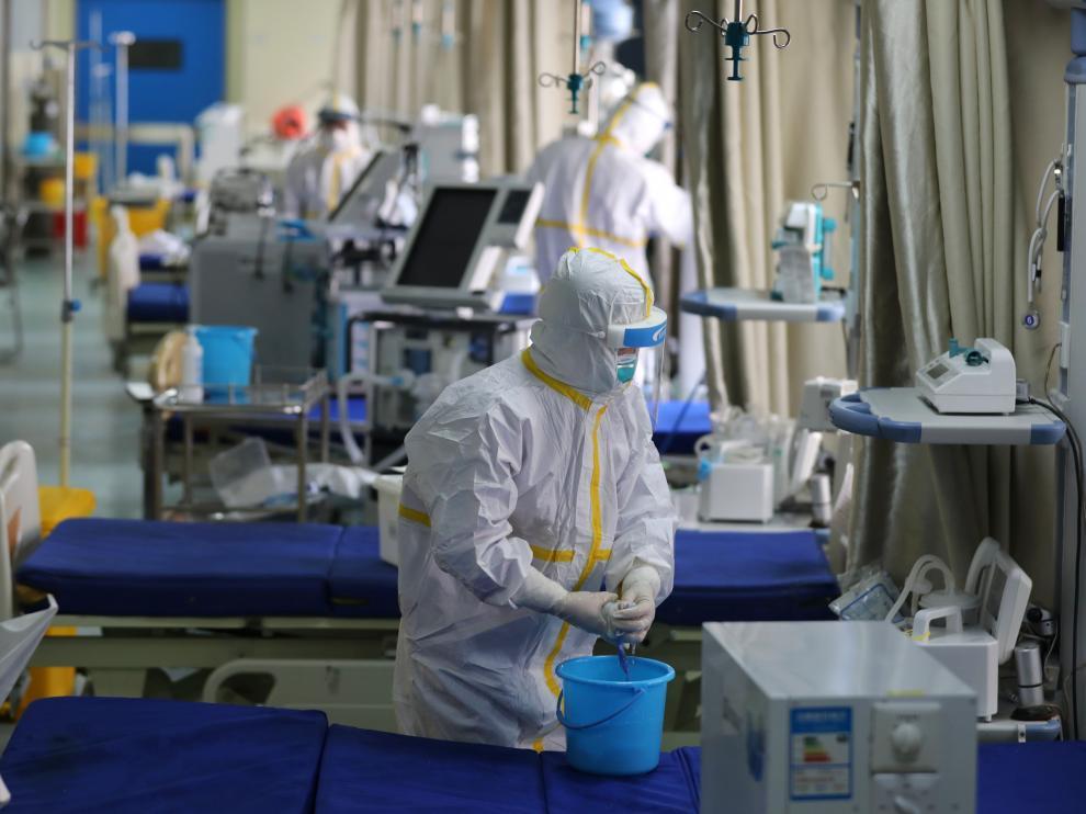 personal sanitario protegido contra el coronavirus
