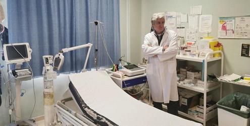 El doctor Eduardo Comas. Coordinador del centro de salud de Cedrillas