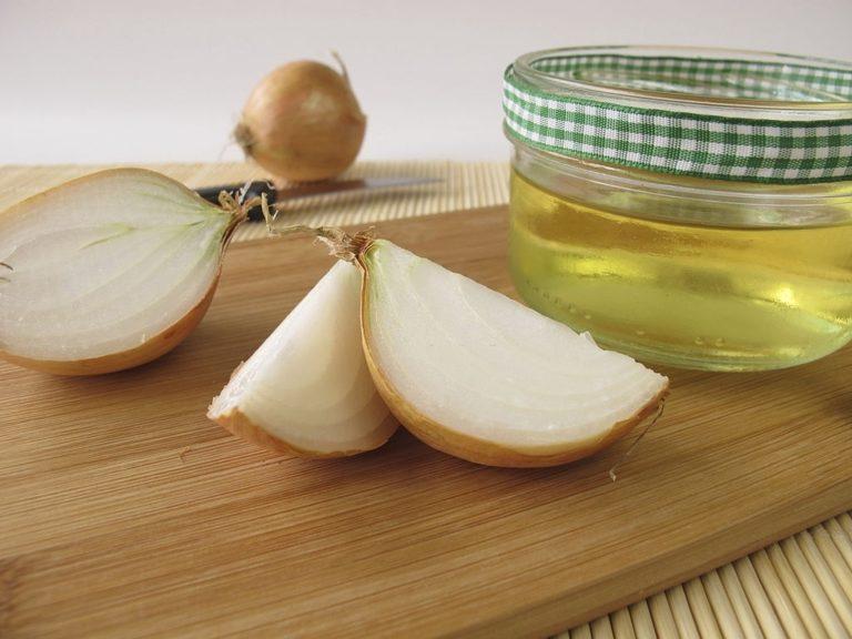 zumo de cebolla como remedio para fortalecer el pelo